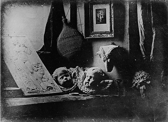 یک عکس داگرئوتیپ که توسط لوئی داگر در سال ۱۸۳۷ عکسبرداری شده
