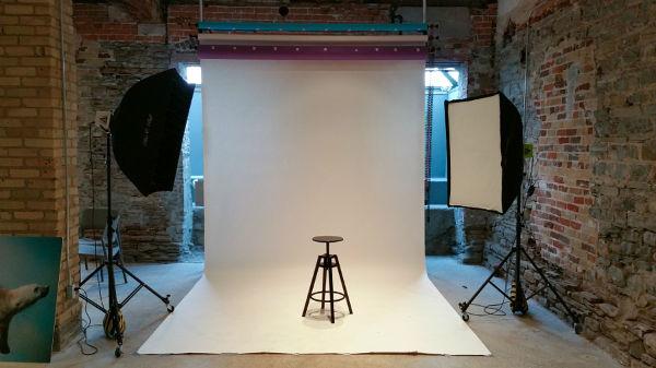 چگونه با هزینهای معقول آتلیه عکاسی خانگی بسازیم؟