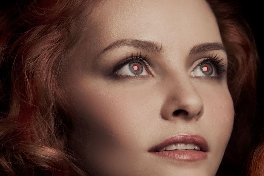 رفع قرمزی چشم با استفاده از Red Eye Tool در فتوشاپ